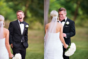 best-reaction-groom-seeing-bride-first-time-300x200